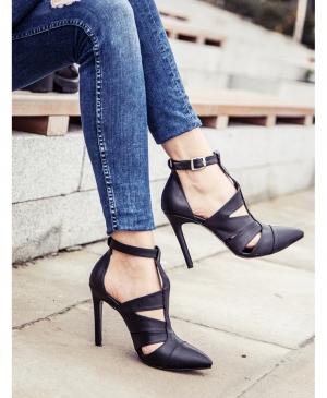 Ayakkabı tutkudur!