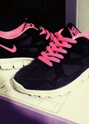 nike pembe siyah spor ayakkabı