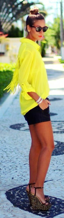 sarı püsküllü gömlek