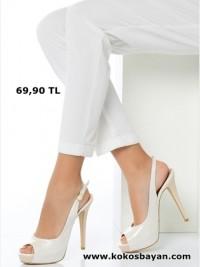beyaz deri topuklu ayakkabı sandalet