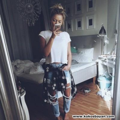 boyfriend jeans yırtık kot beyaz tişört kombin