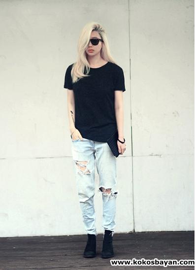 boyfriend jeans yırtık kot siyah tişört kombin
