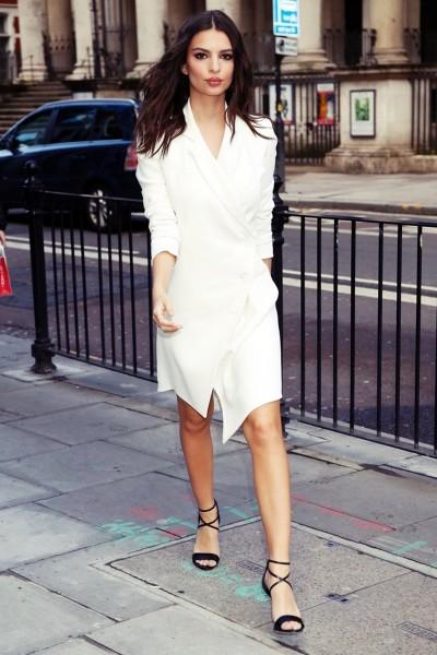 Emily Ratajkowski beyaz uzun gömlek