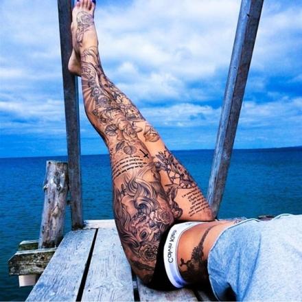 Yeni trend bacaklarda dövme