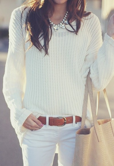 beyaz kazak pantolon kombin