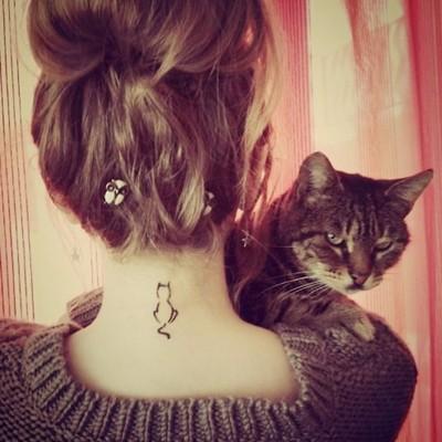 ense boyun kedi dövmesi