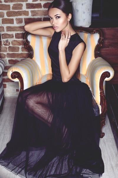 siyah uzun tül elbise