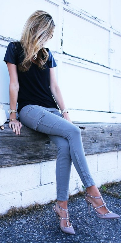 bej rengi stiletto zımbalı topuklu ayakkabı valentino