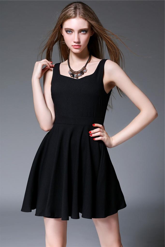 siyah pileli mini mezuniyet elbisesi