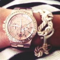 Michael kors altın sarısı kol saati kombin