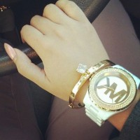 beyaz Michael kors kadın kol saati kombini