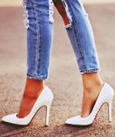 beyaz christian louboutin yüksek topuk kadın ayakkabısı