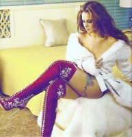 beyaz kadın uzun gömlek tunik süet çizme uzun diz üstü bot
