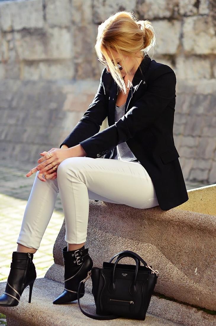 Beyaz Ceket ve Pembe Ayakkabılı Kombin