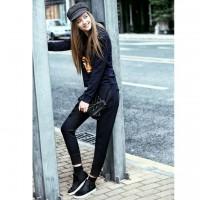 dar siyah pantalon gri şapka spor ayakkabi tarz kadın