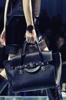 el çantası siyah büyük versace