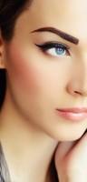 eyeliner sürmek 1