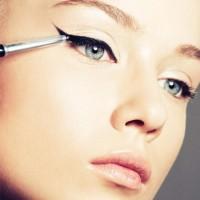 eyeliner sürmek 6