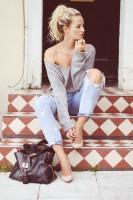 gri kazak yırtık kot kadın boyfriend jeans
