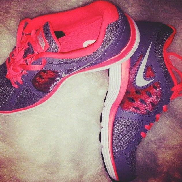 gri pembe spor ayakkabı nike free run