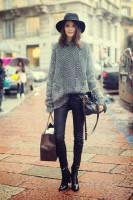 gri tüylü kazak siyah pantalon kadın