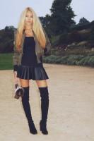 haki kısa ceket kadın siyah bluz kısa mini deri etek uzun diz üstü çizme bot