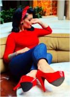 kırmızı badi dar pantolon jean retro style tarz