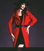 kırmızı kadın mont kemerli kaban kaşe