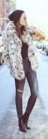 kahve desenli kürk ceket yırtık kot dar pantalon