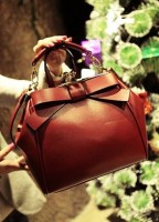 kahverengi deri kol çantası fendi