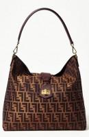 kahverengi desenli kol çantası fendi
