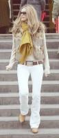 kahverengi kürk yelek beyaz kadın pantalon hardal rengi şal atkı