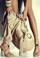 krem rengi büyük kol çantası versace
