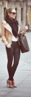 krem rengi kadın deri ceket siyah skinny pantalon topuklu ayakkabı