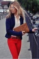 lacivert blazer ceket kırmızı pantolon kombini