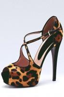 leopar desenli yüksek topuklu ayakkabı kadın gucci