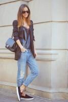 mavi jean kot siyah ceket moda kombin
