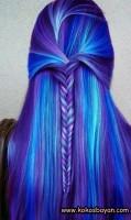 mavi mor uzun örgü saç modeli