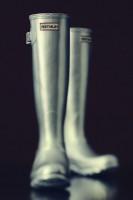 metalik gri gümüş rengi hunter yağmur çizmesi