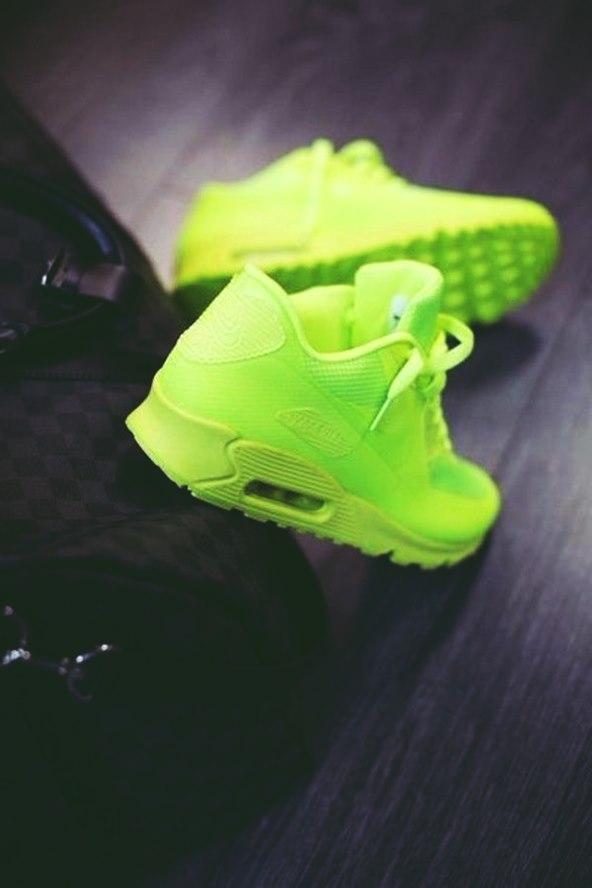 neon yeşil spor ayakkabı kadın nike