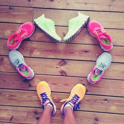 pembe mavi turuncu yeşil nike kadın spor ayakkabı