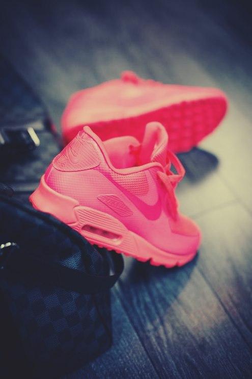 pembe neon nike spor ayakkabı