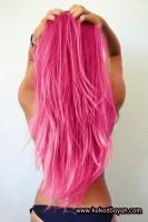 pembe uzun dalgalı saç renkleri