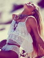 plaj modası beyaz askılı şifon bluz