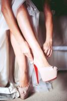pudra rengi christian louboutin yüksek topuklu kadın ayakkabısı