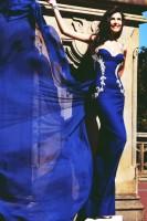 saks koyu mavi uzun gece elbisesi tarık ediz