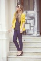 sarı blazer ceket kadın lacivert dar pantalon topuklu ayakkabı