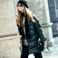 siyah şapka gözlük kaban kadın mont ceket çanta