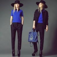 siyah dar pantalon mavi kazak çanta