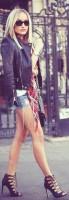 siyah deri ceket mini kadın kot şort mavi topuklu ayakkabı